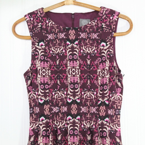 Vince Camuto Dresses & Skirts - Vince Camuto Plum Floral Print Dress
